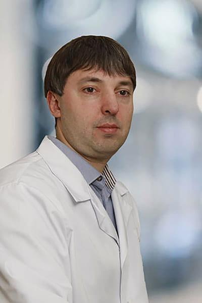 Ткаченко Юрій Володимирович.